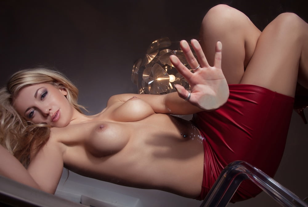 Erotic phone wallpaper nude