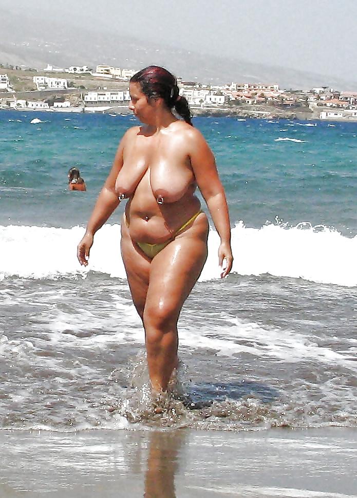 Фото толсто сраких женщин на общих пляжах #9