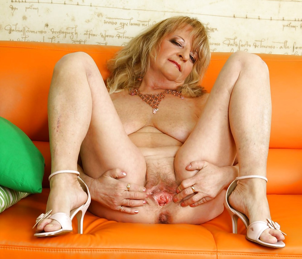 Granny Hairy Blonde Pussy