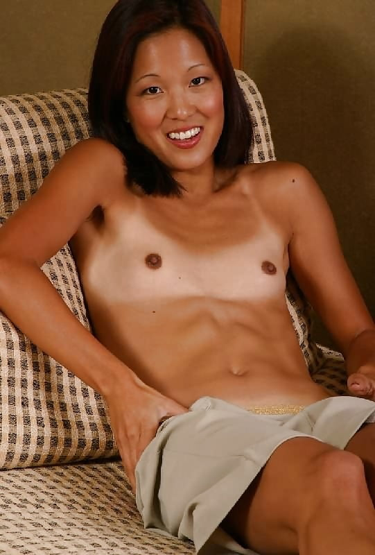 Flat Chested Women Are Underrated Sexy Beautiful Wom Fakehub 1