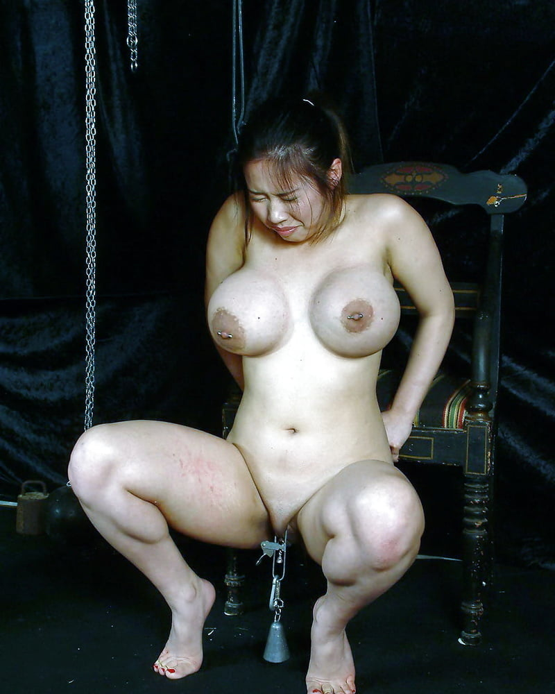 nude-girl-in-extreme-pain