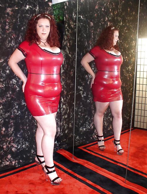 Толстые жопы кожа латекс, скрытая камера в раздевалке женской бани порно видео онлайн