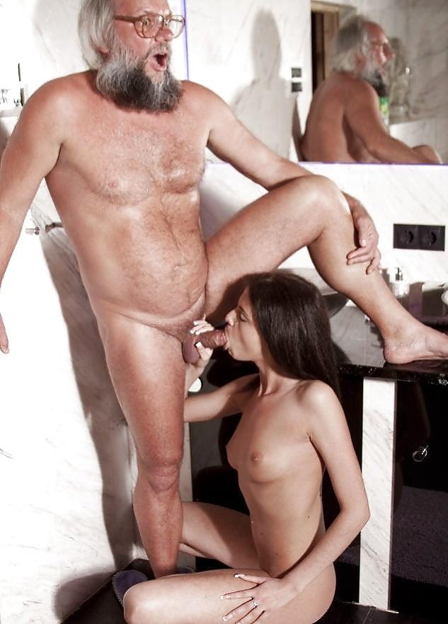Русское парень смотреть порно бородатый старик отсосала член сортире