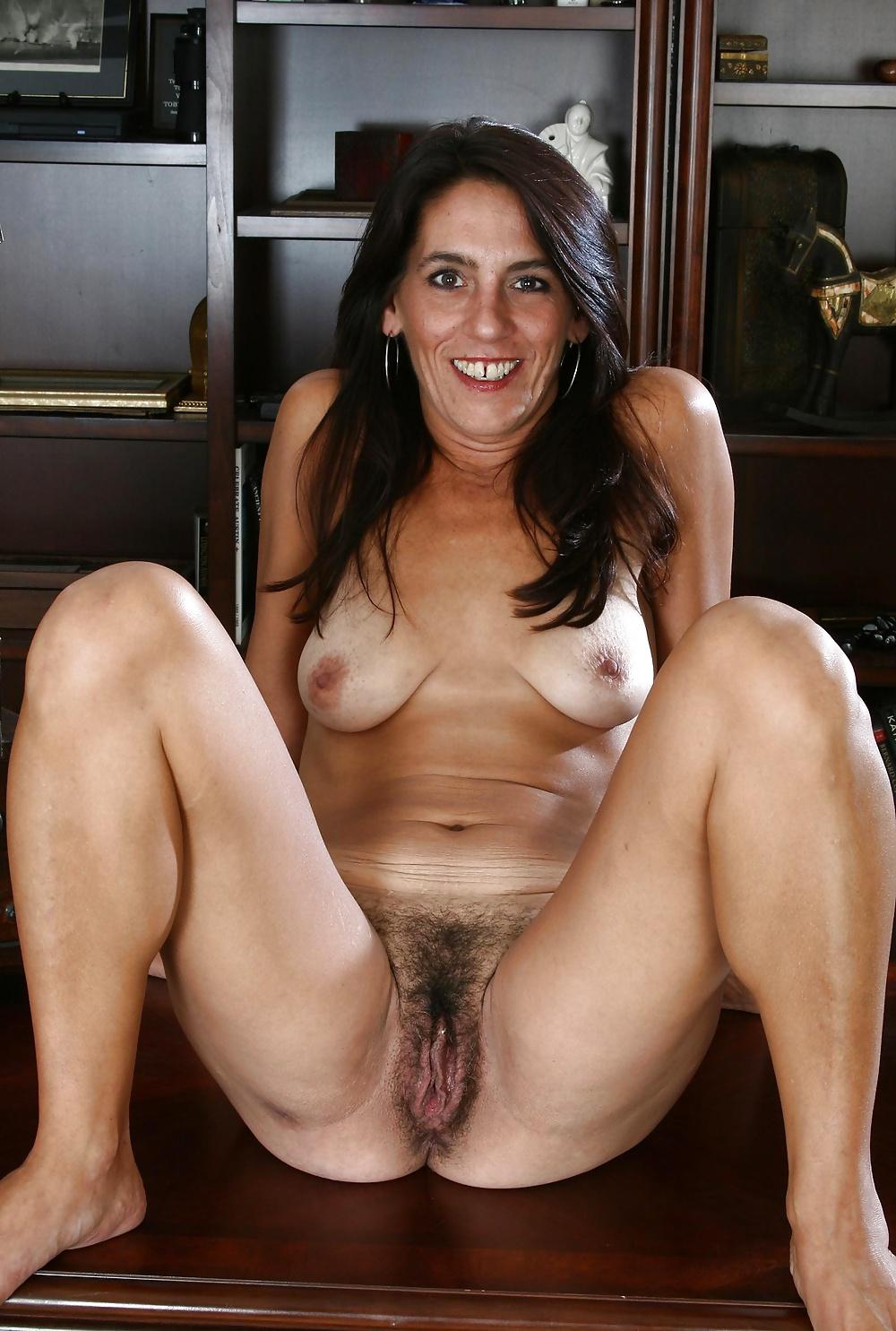 Free porn hairy mature brunette pics