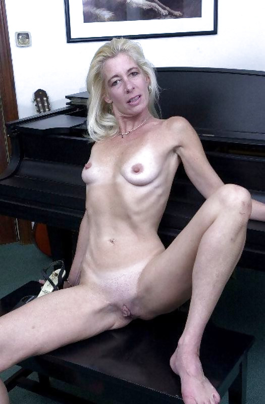 nude-skinny-mature-blondes