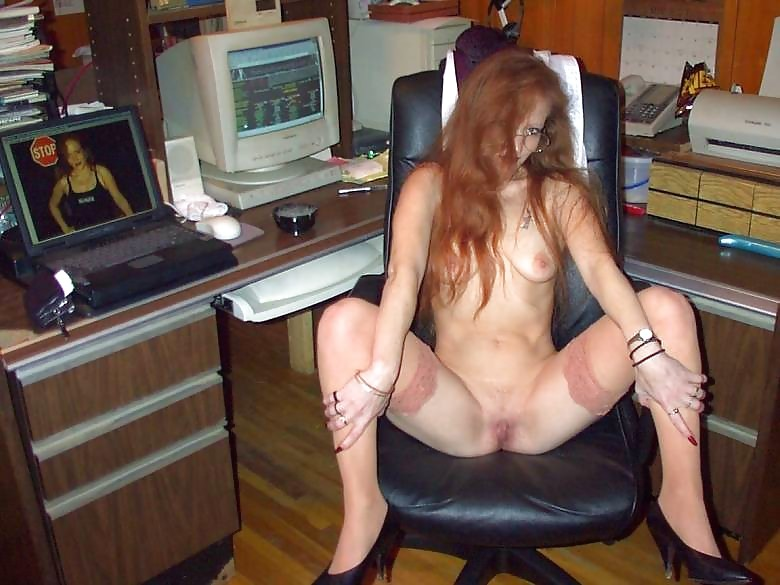 Found Nude Pics Of Computer Mom