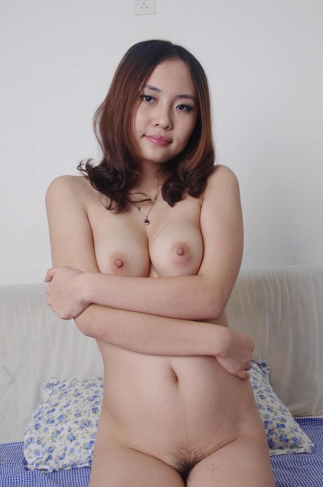 Sexy Babes Genießen Ein Nacktfoto Shooting