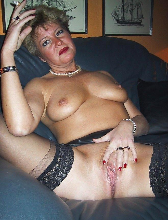 granny-mature-smoker-video-phoneporno-mobil