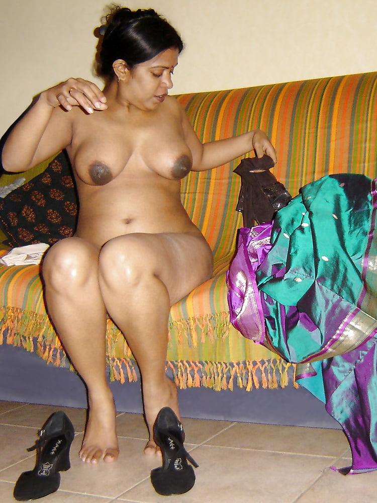 Marathi aunty naked on bed