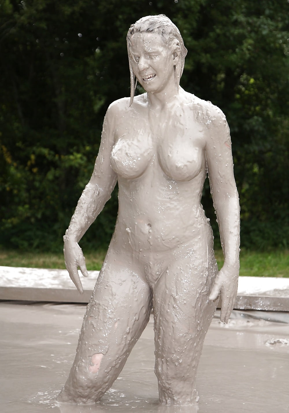 mud-girls-nude-hd