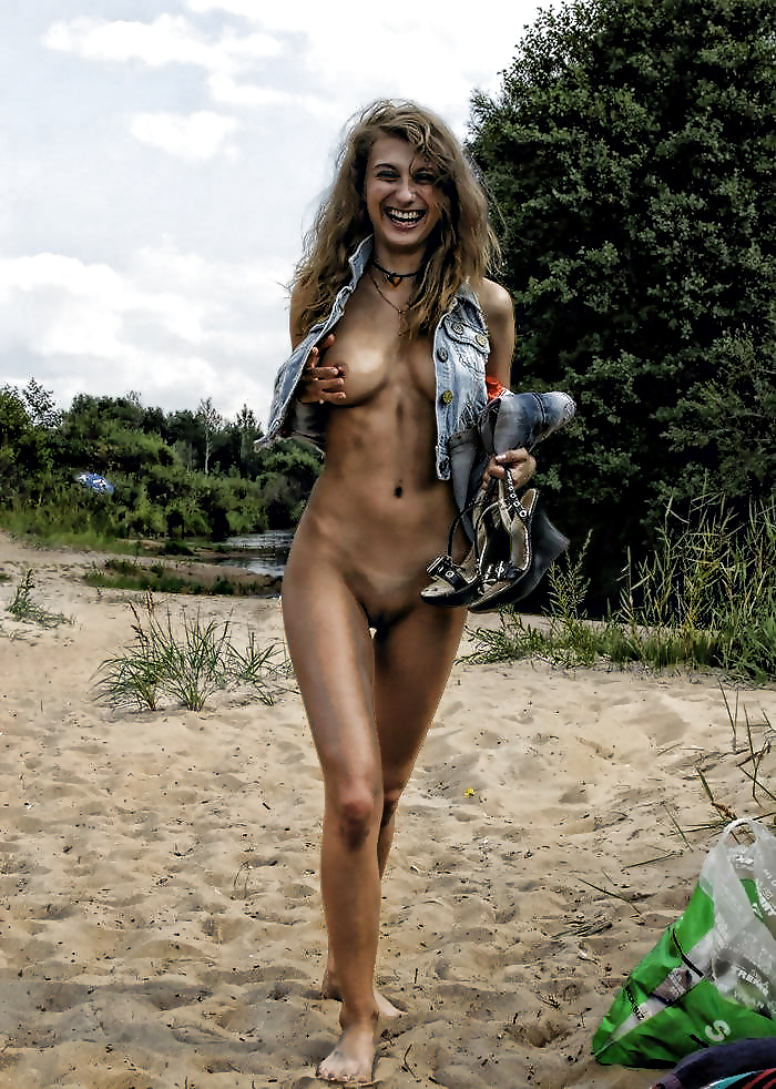 Beach fun naked-7516