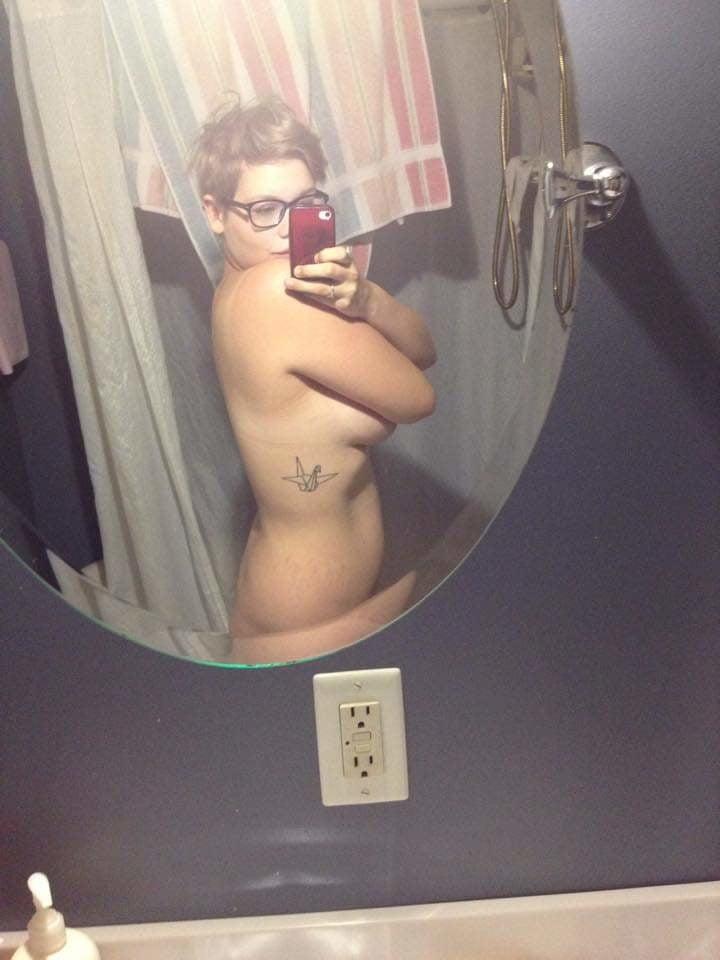 WhoreShow 123 - 30 Pics