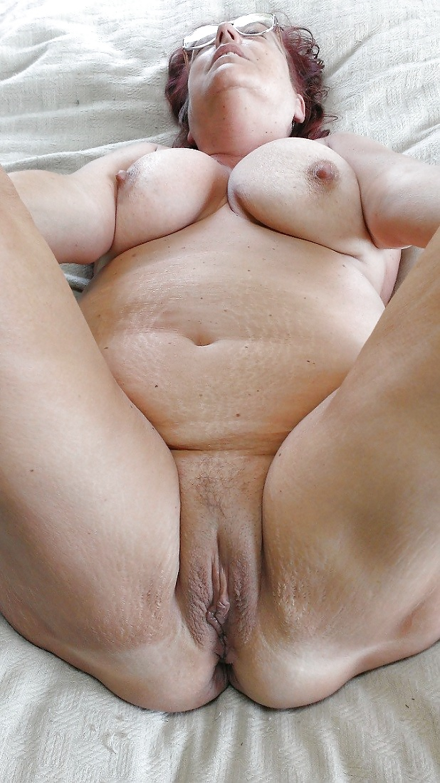 Old fat pussy with s — photo 5