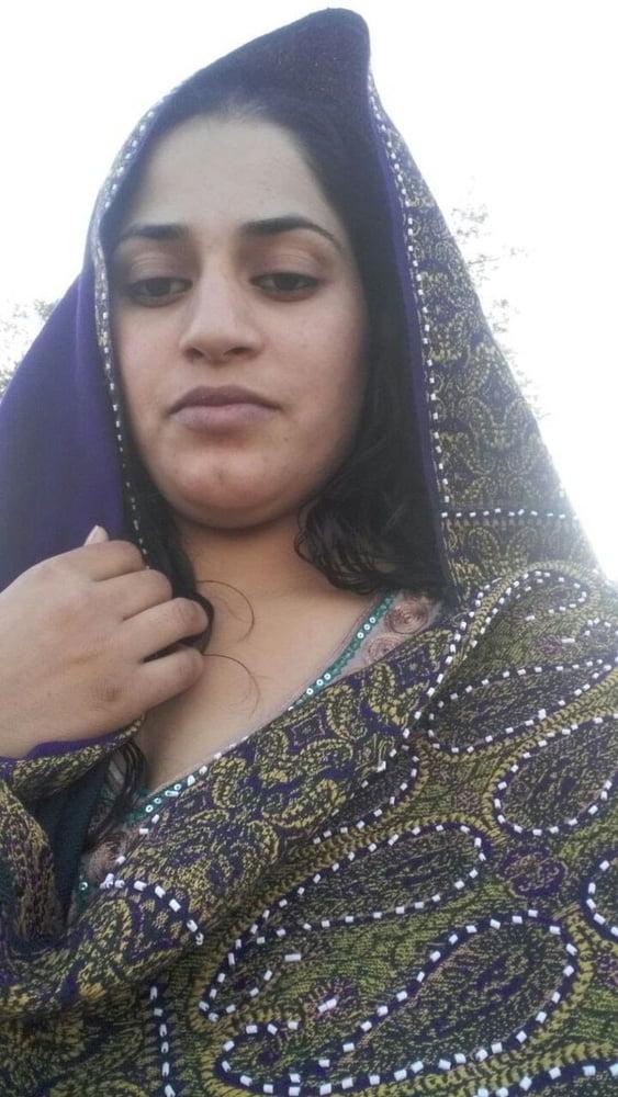 Mahie Gill naked Punjabi film full nude photos 25