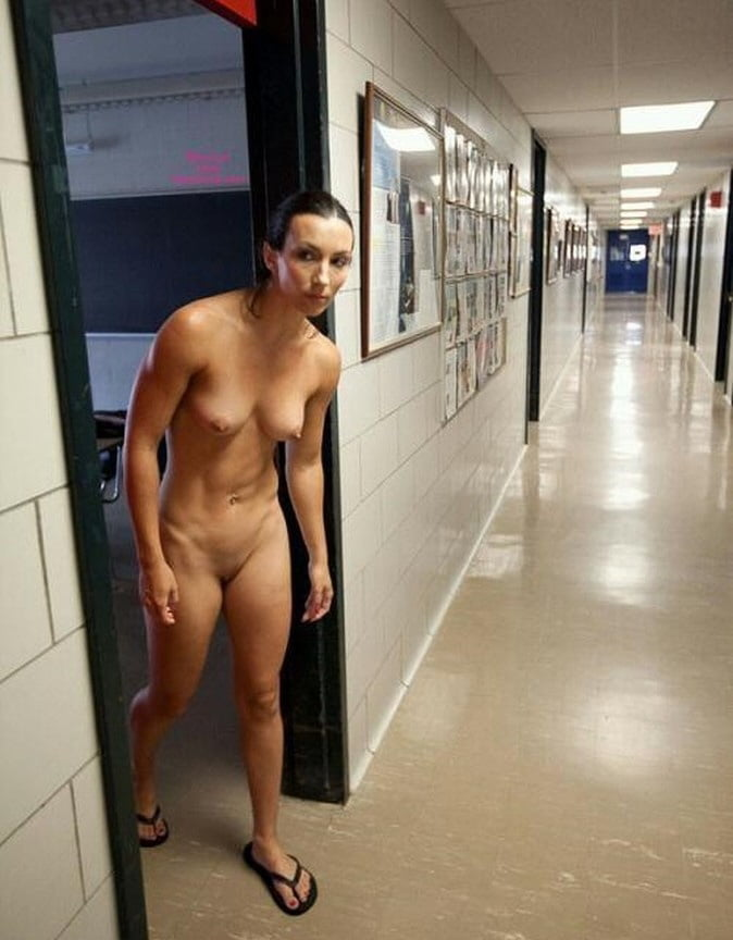 Naked womens in public bathrooms