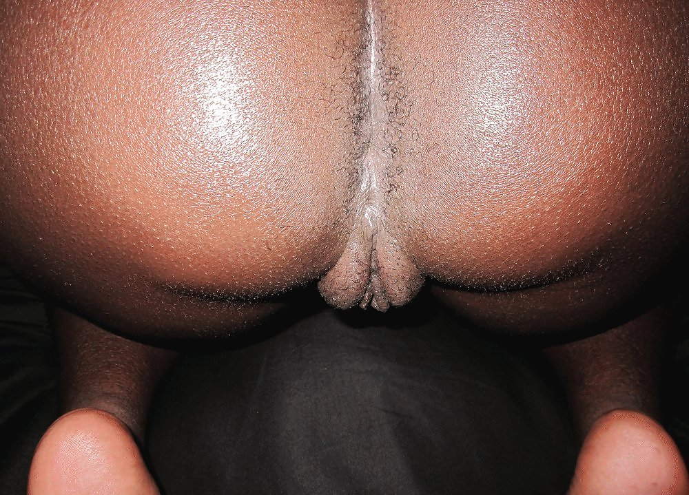 Big black ghetto booty with wet tits