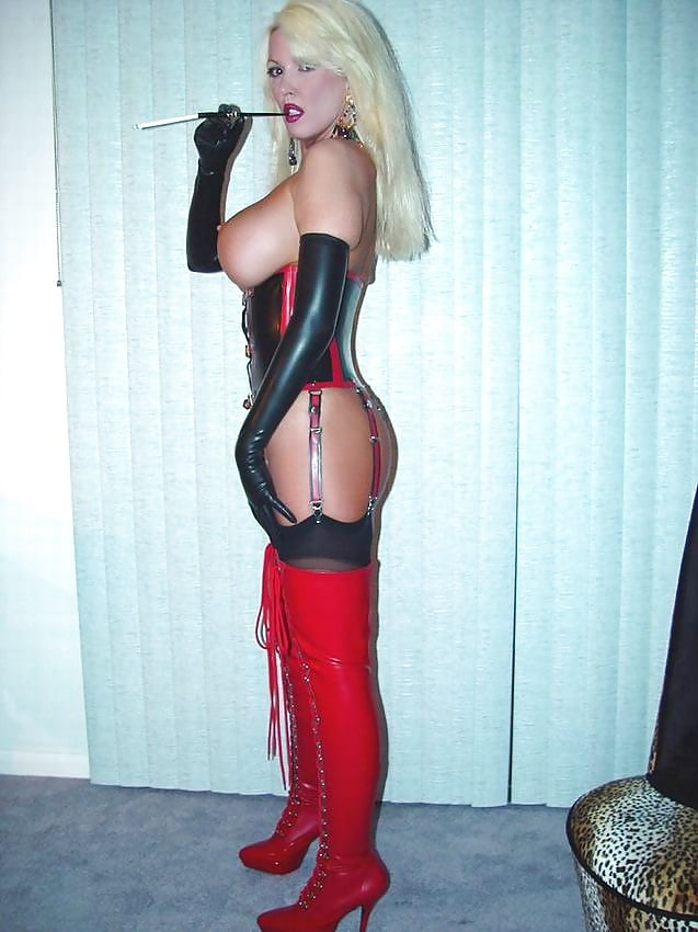 Smoking in latex porn