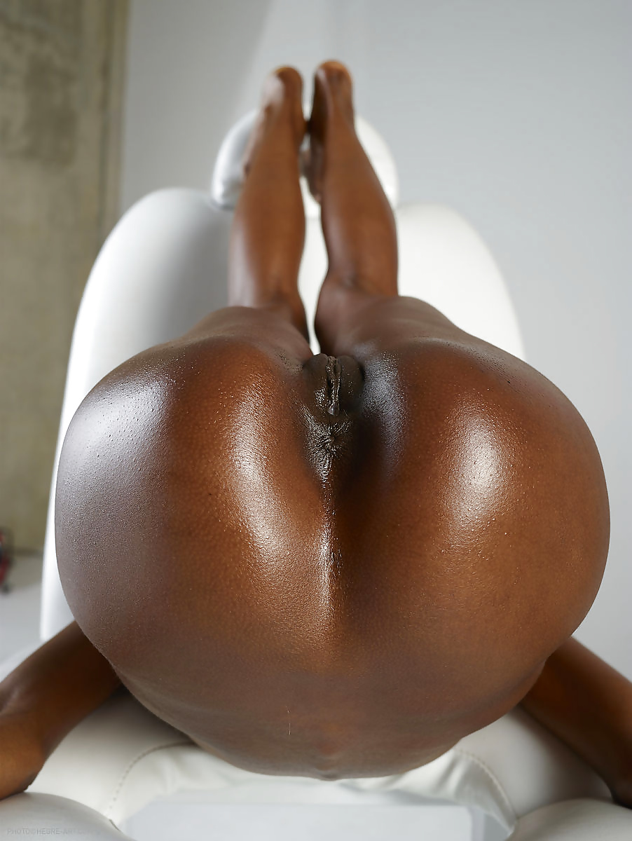 Slutload perfect black butt 5