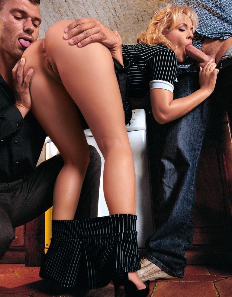 Women having sex in the nude-4313