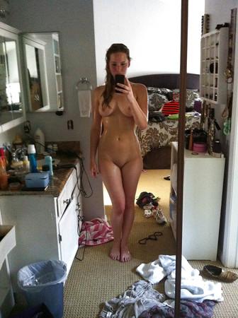 Lawrence nudes leaked jennifer Jennifer Lawrence