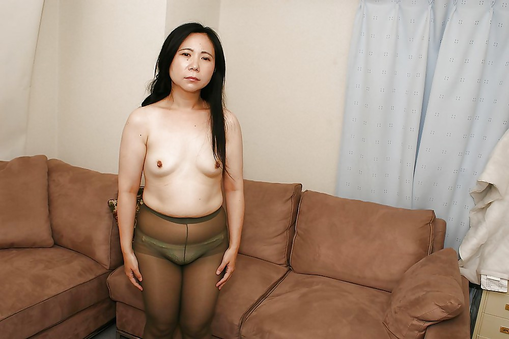 Mature Japanese Woman In Panties And Pantyhose - 6 Pics -8514