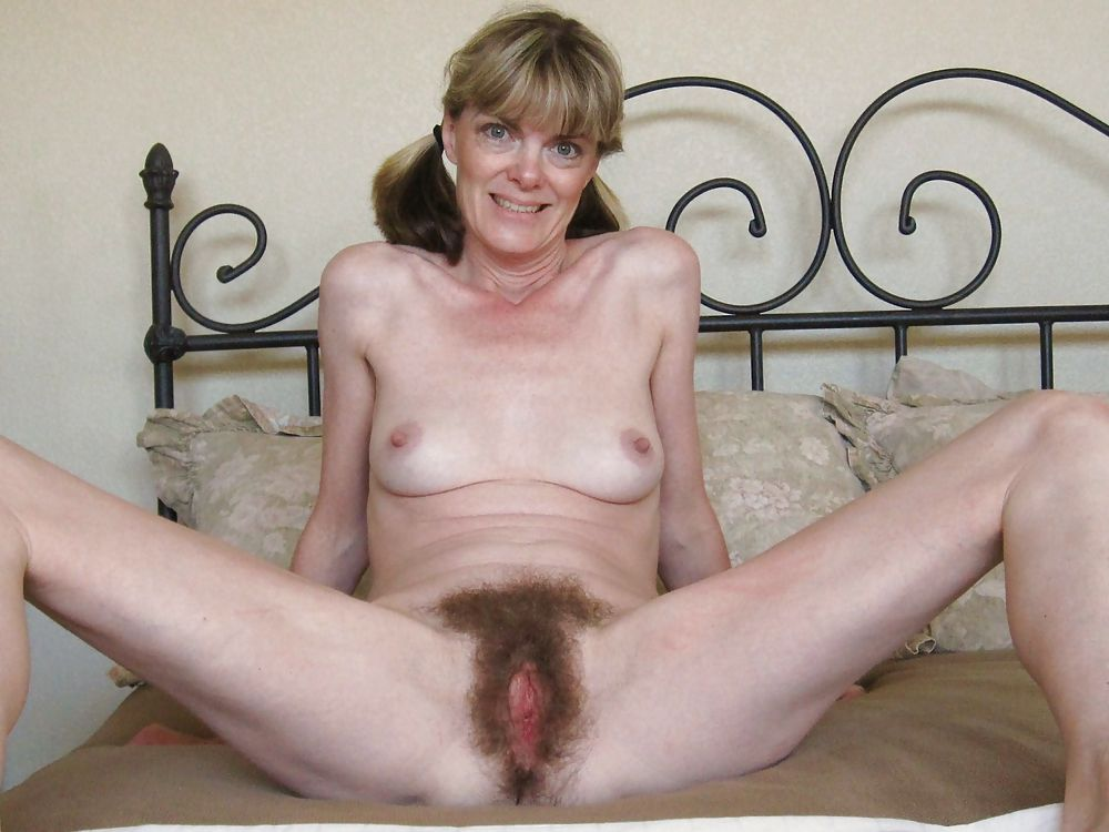 Latest Hairy Mature Mom Seduce Young Boy To Sex