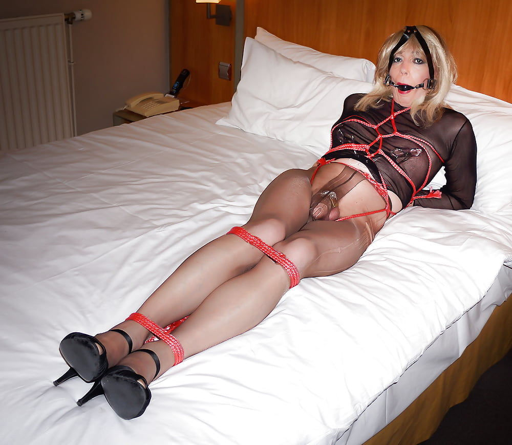 Pretty Crossdresser Bondage