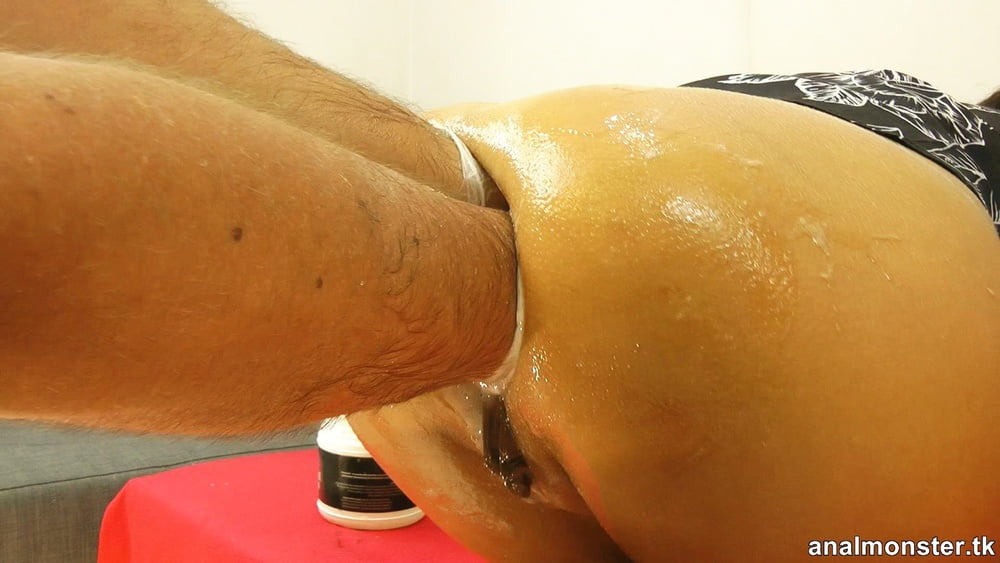 Massagecocks deep anal massage action