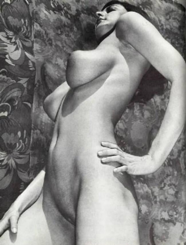 eleanor-hutchins-nude