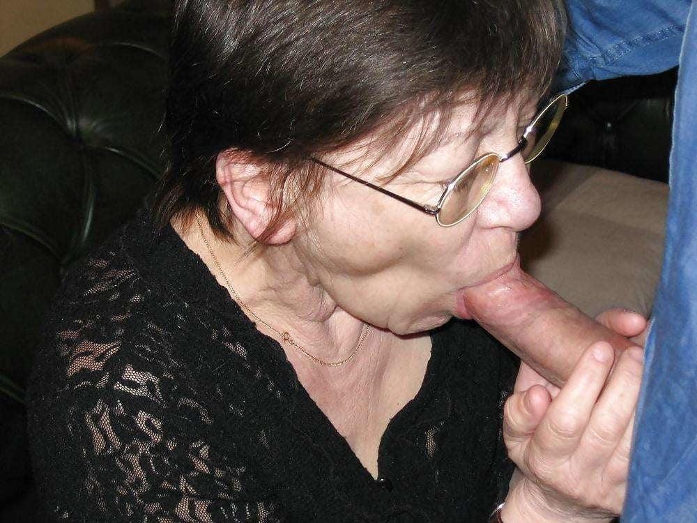 Free Granny Sucks Cock Porn Pics