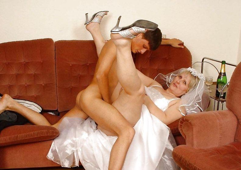сарай она порно невесты трахнуть спящую тещу покатал молодую деревенскую