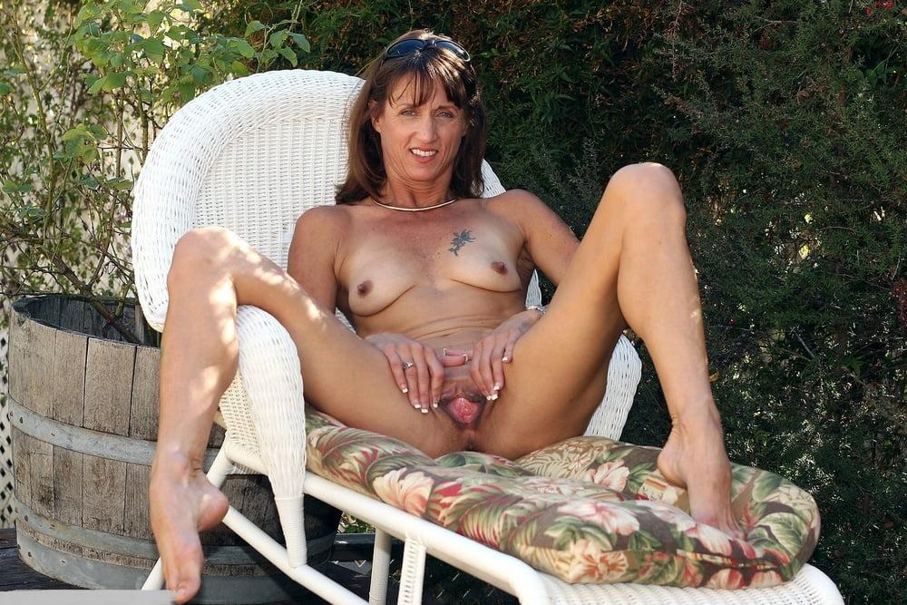 Naked Milfd