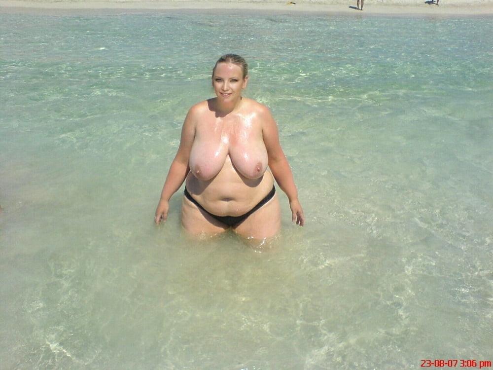 Bbw at the beach