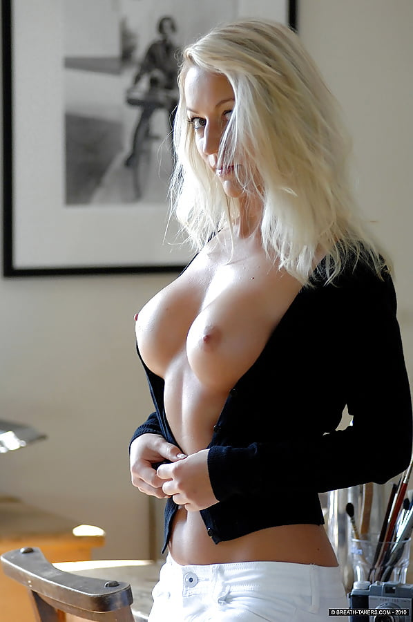 white-girl-stripping-naked