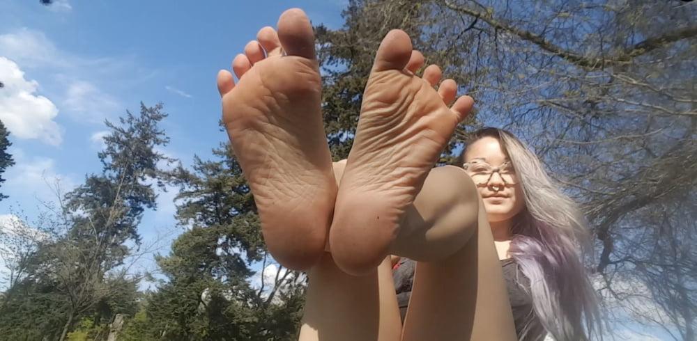 Sexy Asian Feet - 28 Pics