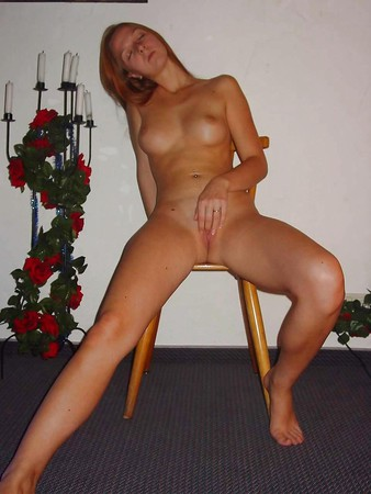 AMATEURS - Horny Girl with Toy