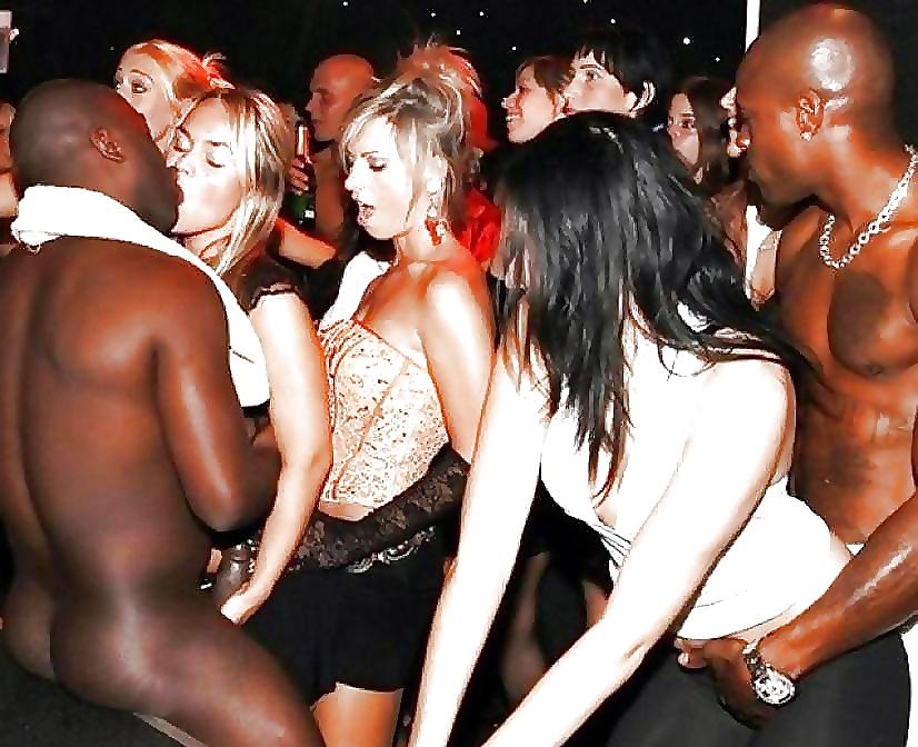 Black men party white girls — photo 9
