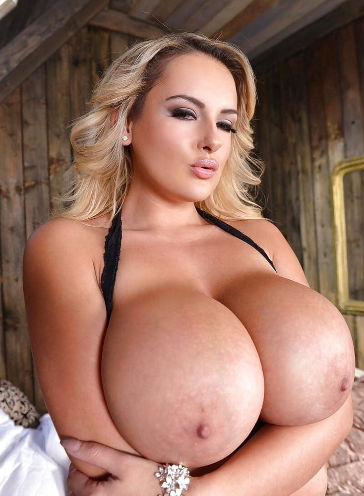Big Tit European Bombshell Gets Her Asshole