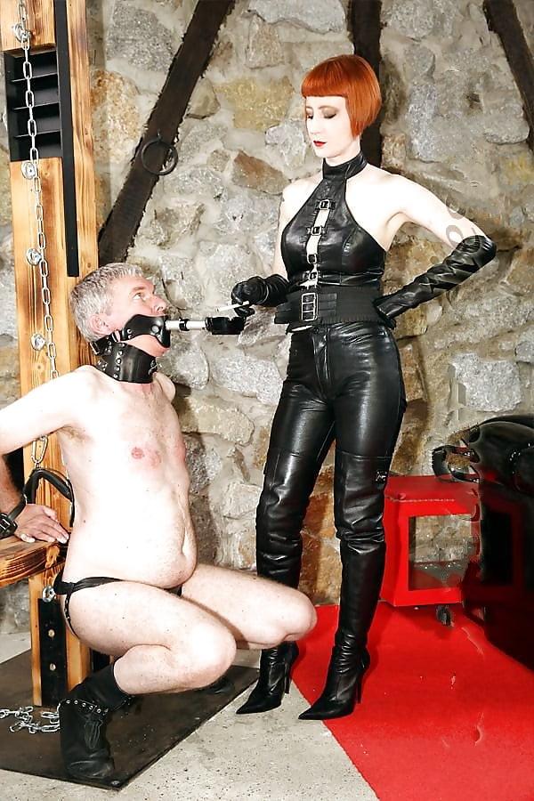 nude-mistress-sue-bdsm-detroit-mich-world