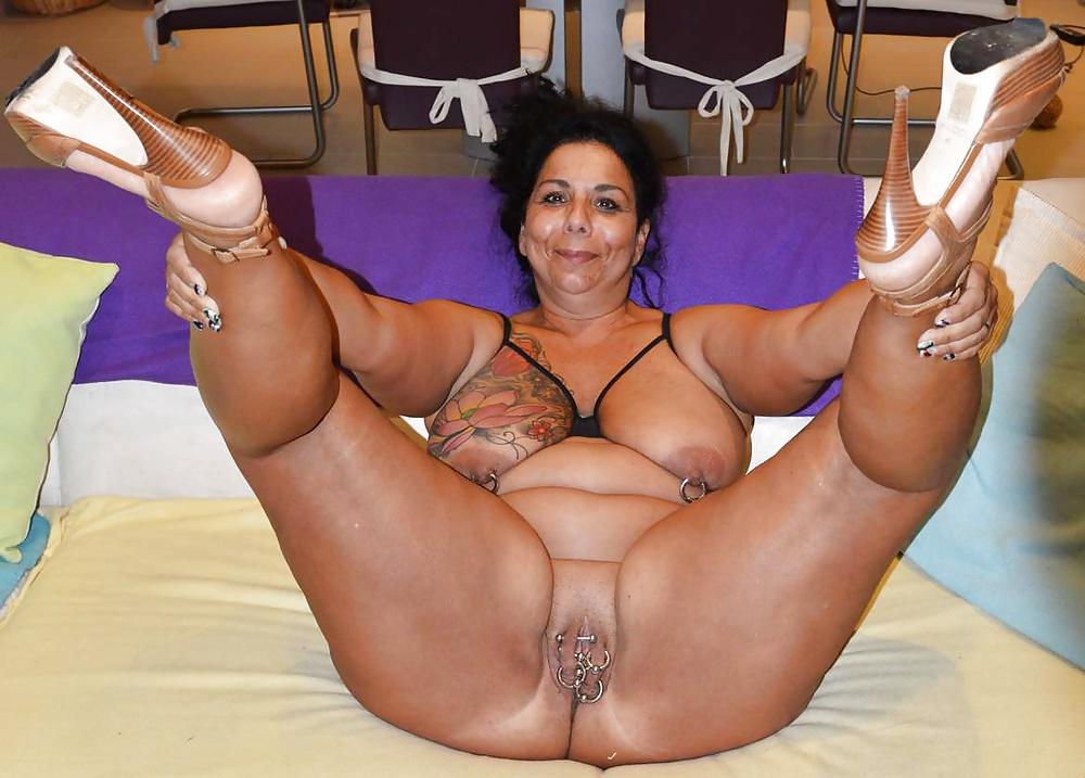 Naked Sexy Full Figured Women