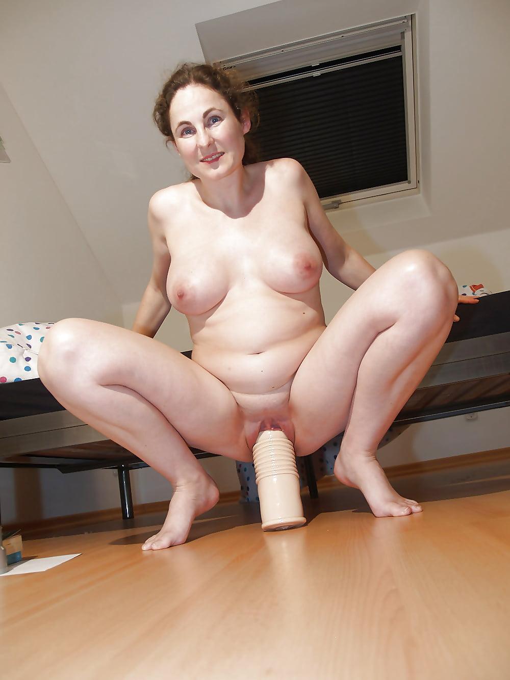 Virgin boy uses moms dildo