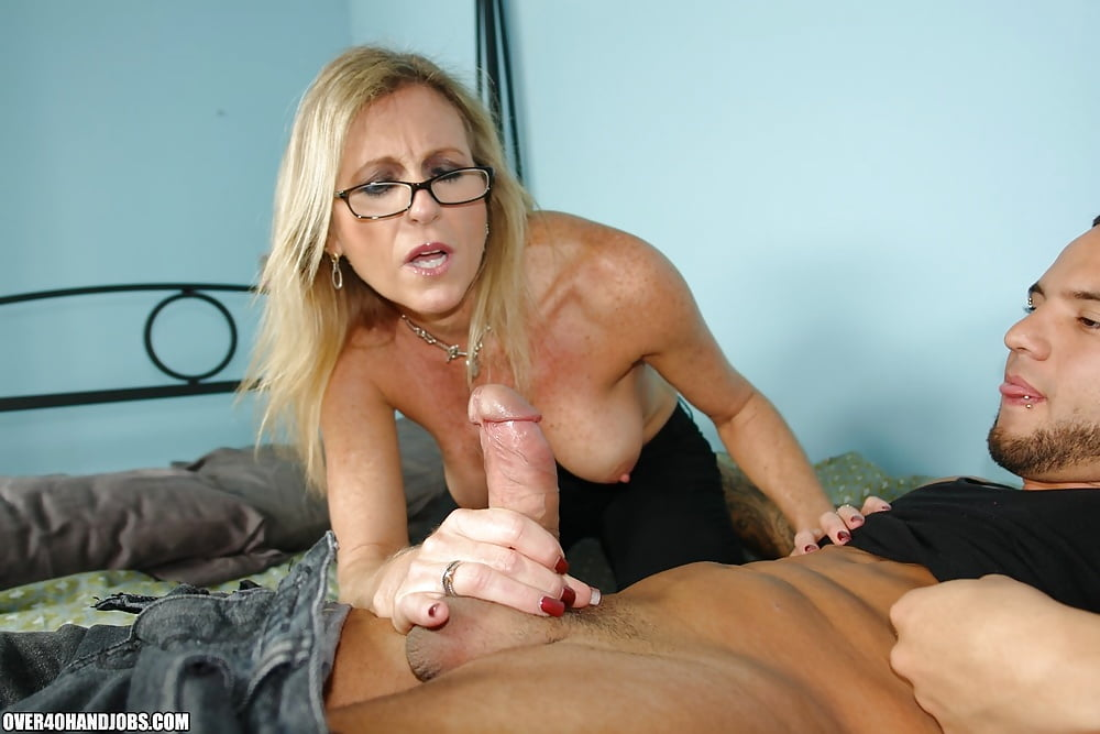 Old teacher handjob porn movies midget