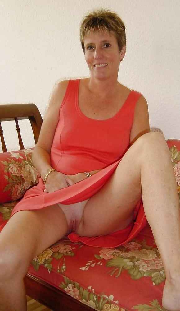 Granny Upskirt
