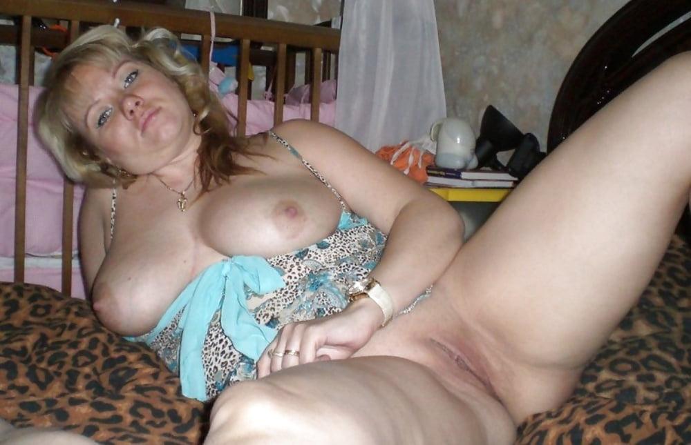 частные фото русских провинциальных женщин в возрасте порно теперь
