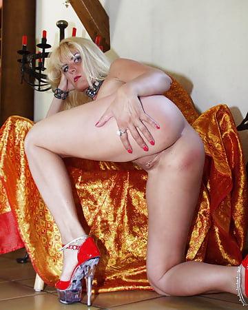 Blonde swinger - 29 - Coco la Perra