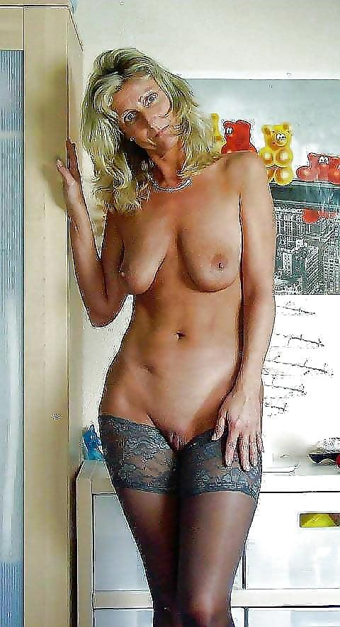 Sexy blonde mature women-2487