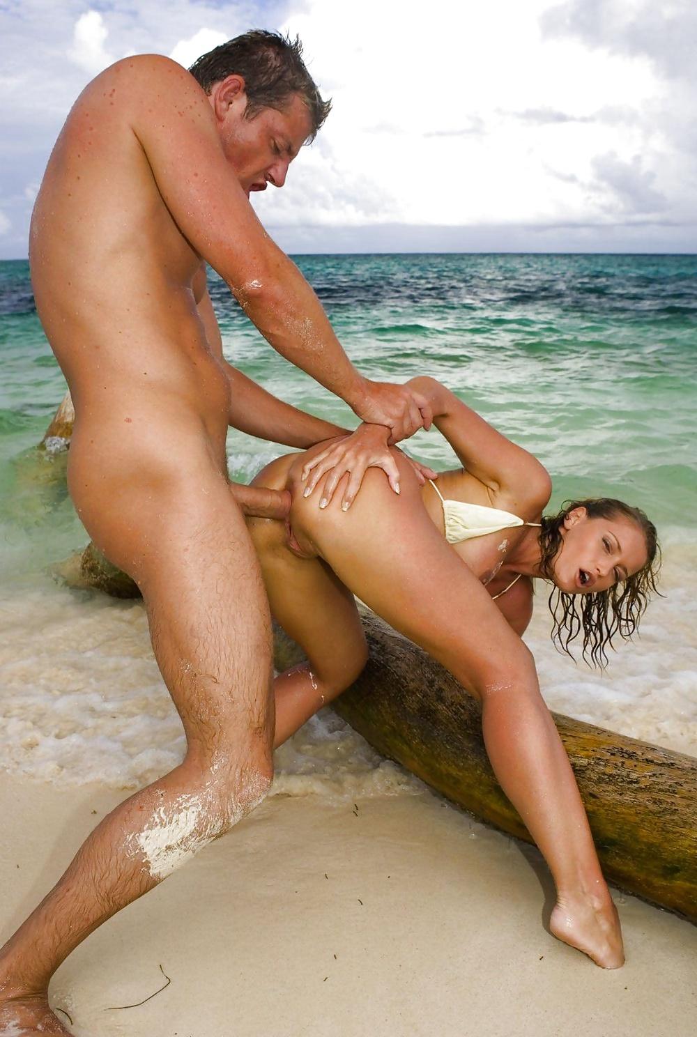 Sex the beach strangers
