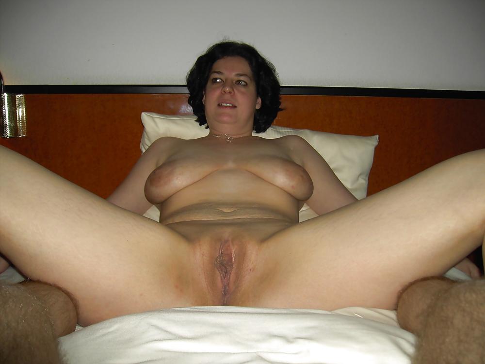 Celeb Free Nude Mature Hot Housewifes HD