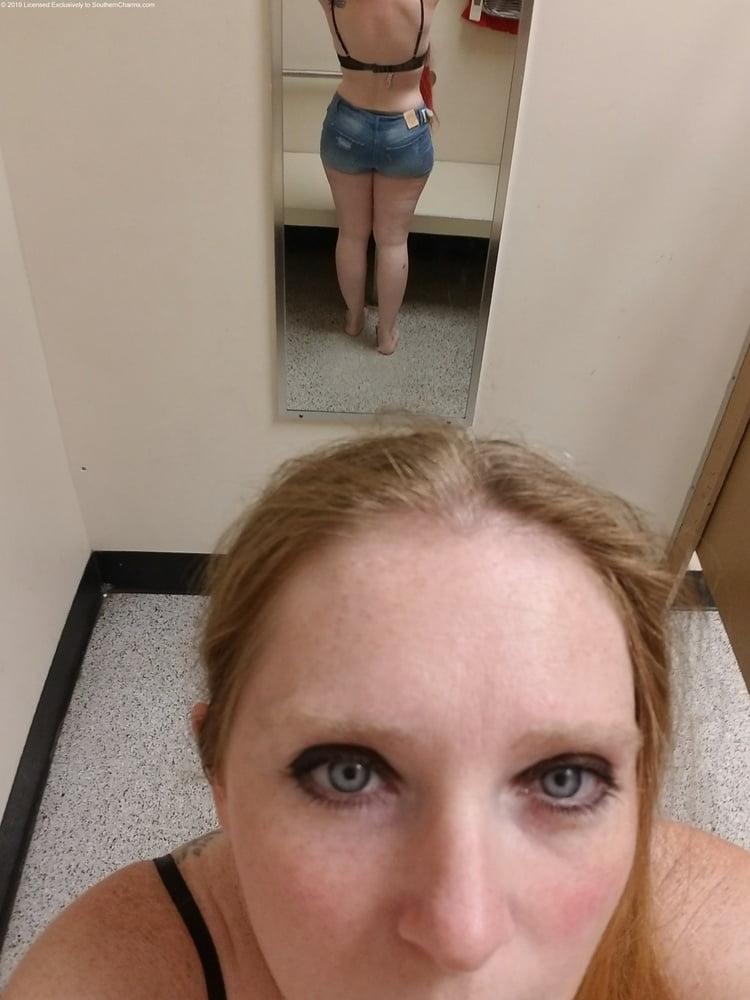 Fat little ass - 31 Pics