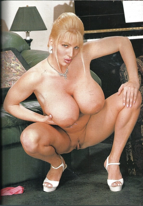 Blonde Milf Lisa Lipps Uncorks Her Huge Tits In Jean Shorts Panxxx 1